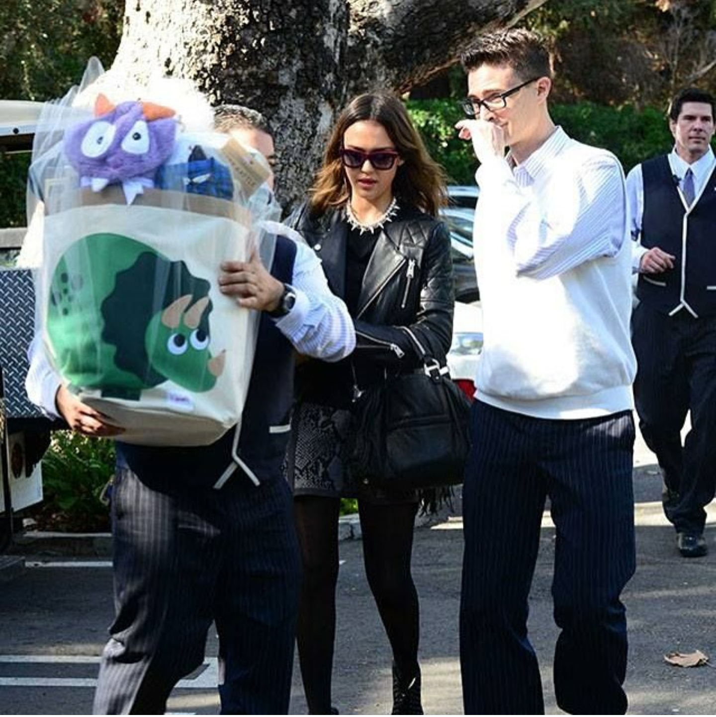 jessicaalba-purple-monster-gift.png